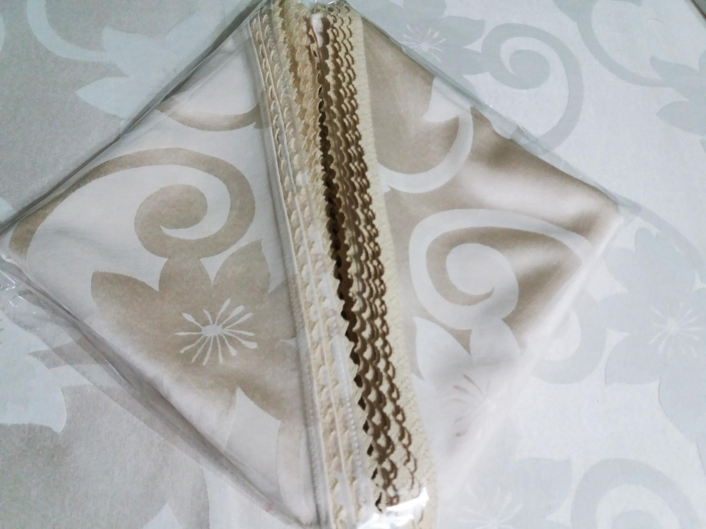 Set fata masa damasc satinat, 170x360 cm cu 12 servetele 40x40 cm